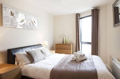 Cheltenham Plaza Apartments | Portland Street, Cheltenham ...